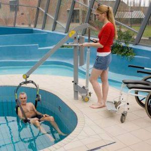 Grúa para piscinas
